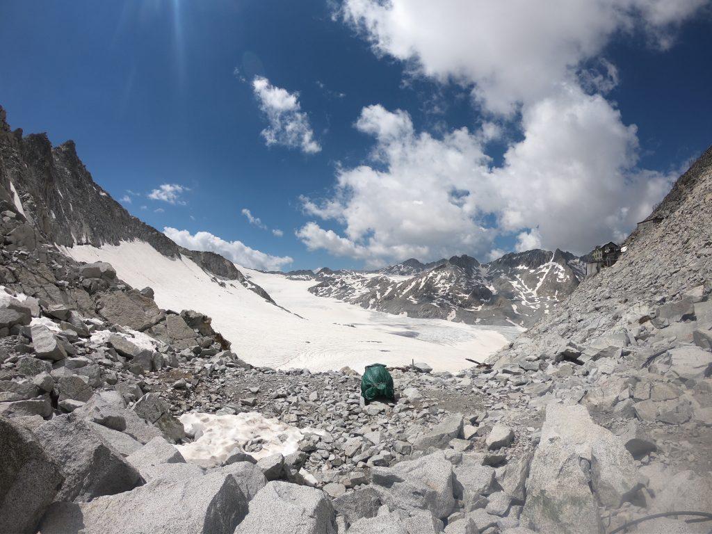 il ghiacciaio e il Rifugio Lobbie