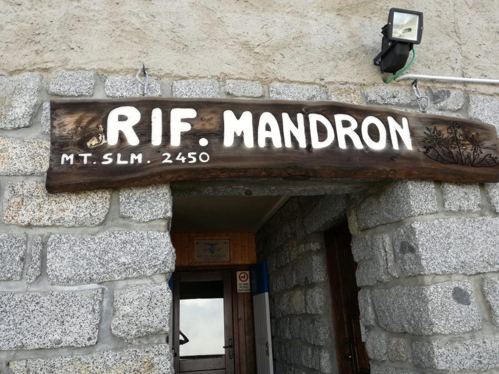 Rifugio Mandron m 2450
